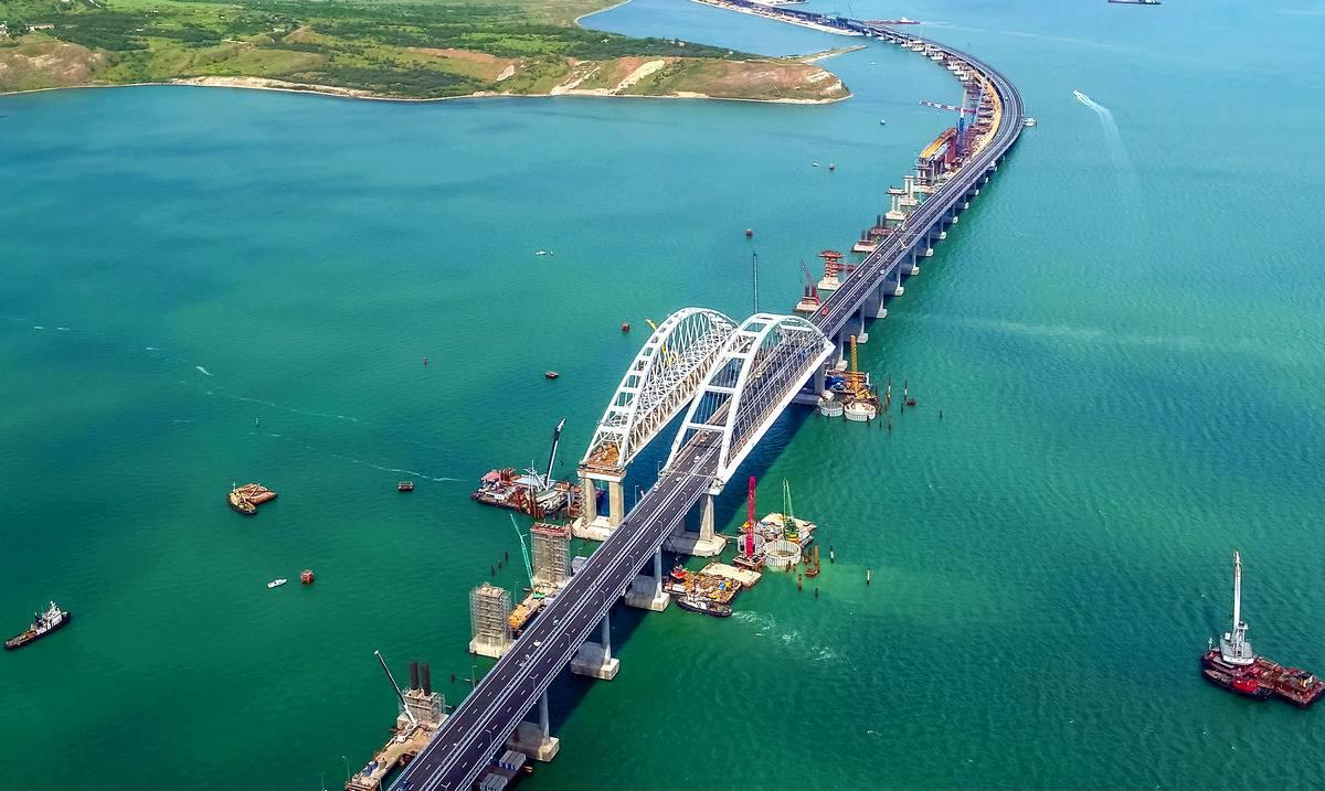 В Керчь по Крымскому мосту с морской прогулкой