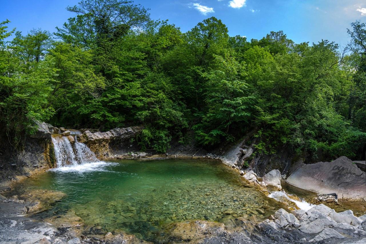 Дольмены и каскадные водопады реки Жане и Геленджик