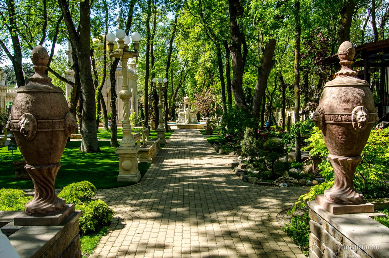 Старый парк Кабардинки и Геленджик