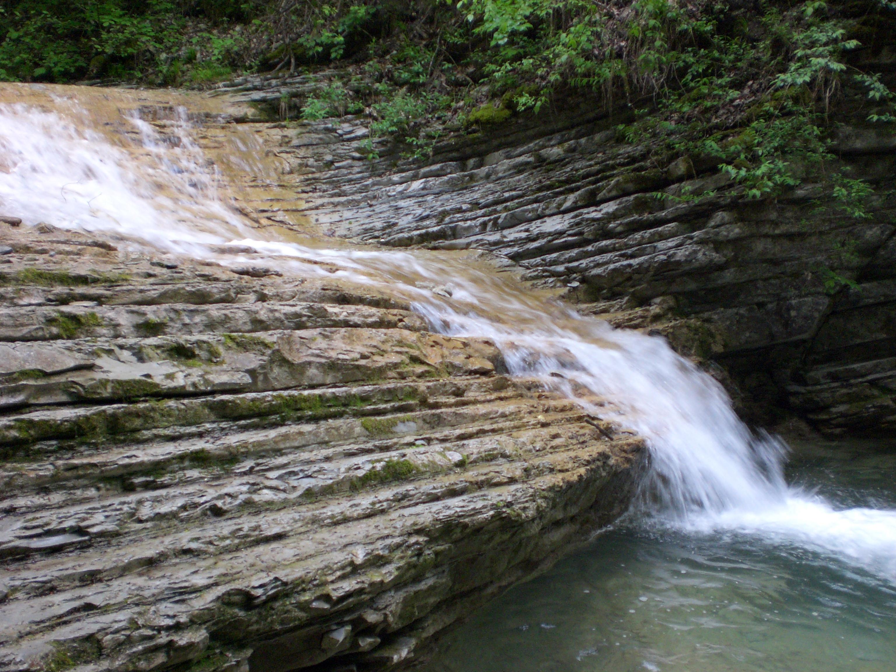 Водопады на реке Пшада!